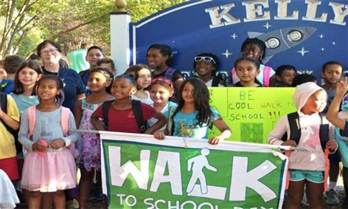 Kelly Elementary School holds sixth annual Walk to School Day