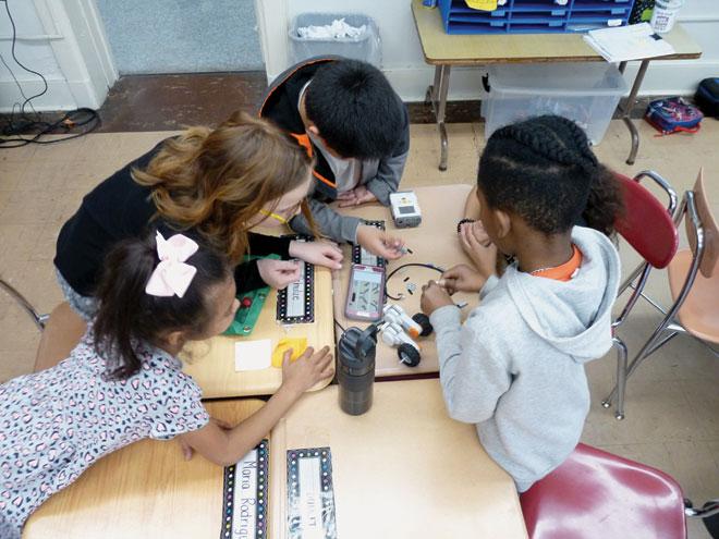 Recess STEM program conducted at Berkeley School
