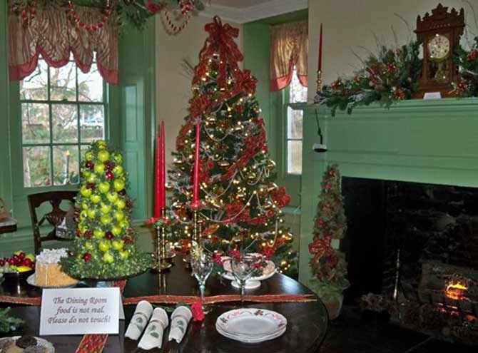Visit the Kingsland Manor for the holidays