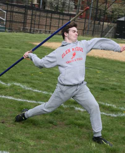 GR track and field starts season off with impressive times, distances