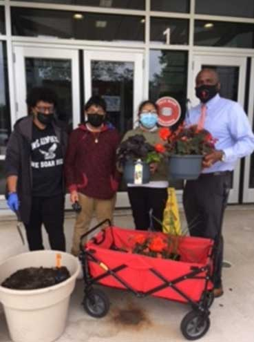 Hands-on projects in Cicely Tyson School classroom inspire students