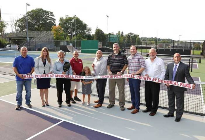Bloomfield holds ribbon-cutting ceremony for new pickleball and tennis courts