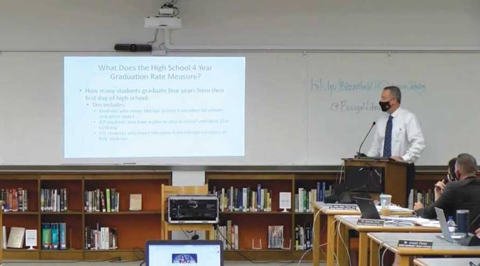 Jennings discusses ways to improve the Bloomfield HS graduation rate