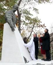Fridtjof-Nansen's-statue-unveiled-in-the-center-of-Yerevan