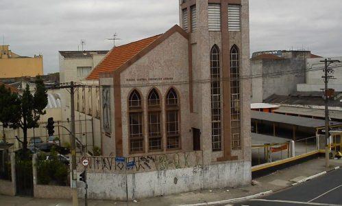 Igreja-Central-Evangelica-da-Armenia1-1-1110x666