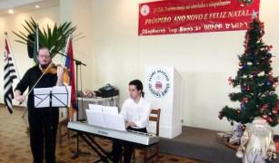 Maestro Alexey Kurkdjian e Gustavo Fiel (nos teclados)