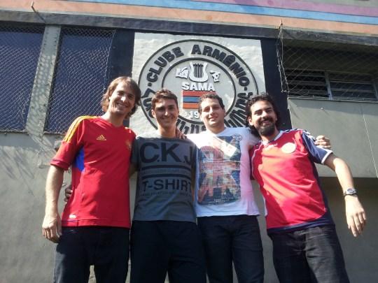 Marcos Pizzelli com equipe do Portal Estação Armênia
