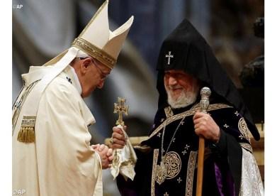 o Santo Padre e Sua Santidade Karekin II