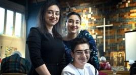 Após 96 dias de culto ininterrupto, família armênia consegue asilo na Holanda