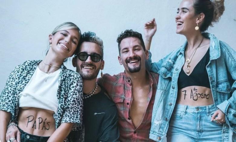 Photo of Mau y Ricky estrenan el videoclip de «Papás» donde recuerdan a las bandas de punk rock de los noventa