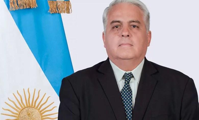 Photo of El ministro de la Producción sufrió una descompensación y debieron internarlo