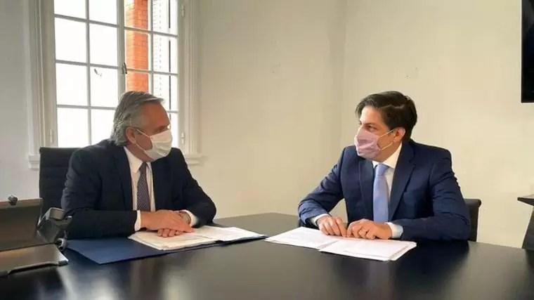 Photo of Alberto Fernández evalúa una «presencialidad administrada»