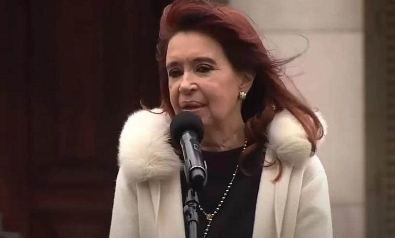 Photo of Cristina Kirchner, en La Plata: «No pongamos en duda las vacunas, esto no puede ser un campo de disputa política»