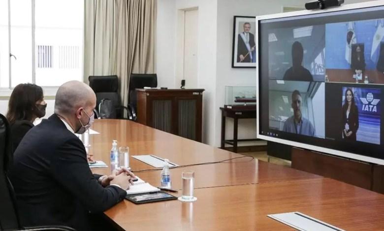Photo of La reunión del Gobierno con compañías aéreas duró 10 minutos: no se sabe qué pasará con los vuelos