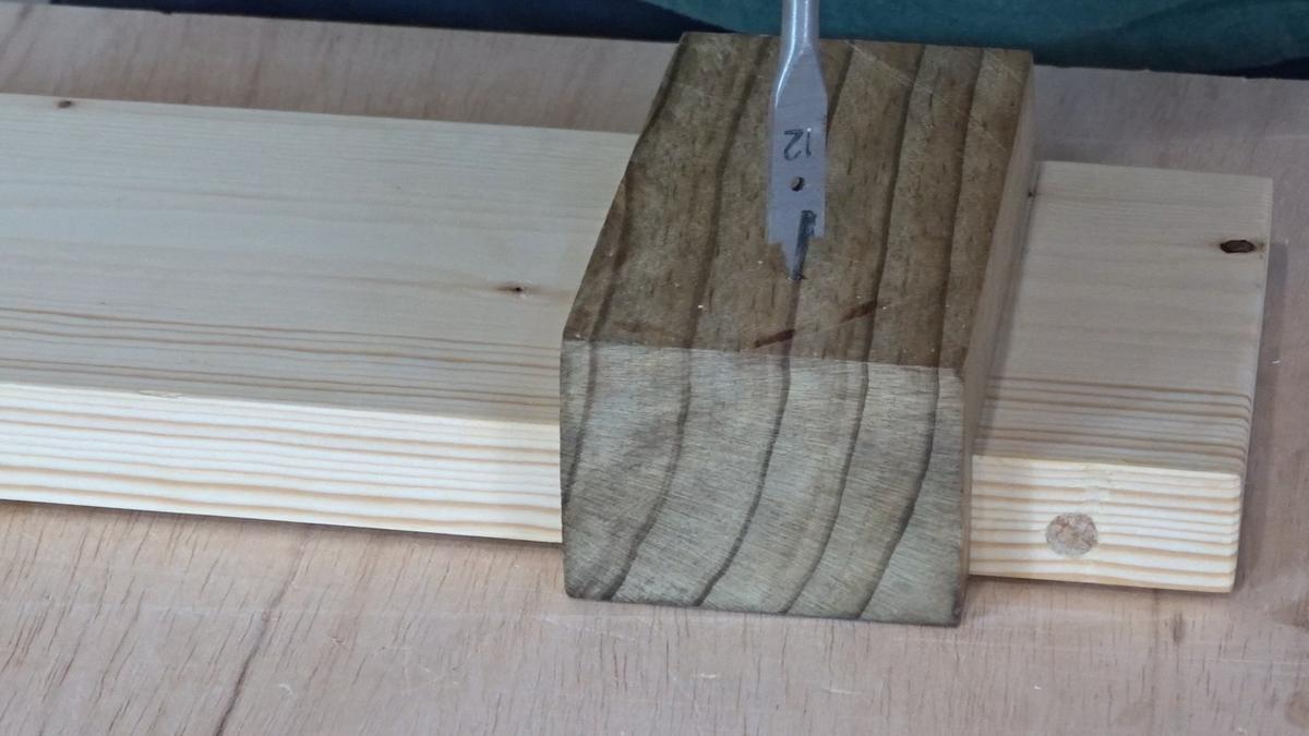 Como hacer un toallero de madera   DIY towel holder 13