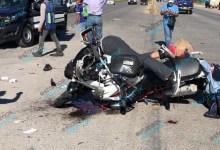 Foto de Motociclista entre la vida y la muerte al impactarse en la Mérida-Cancún