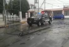 Foto de Camiones de carga causan daños a instalaciones eléctricas y telefónicas