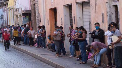 Foto de Médicos voluntarios ofrecen servicios de salud gratuitos para las personas sin hogar en la colonia Roma, CdMx