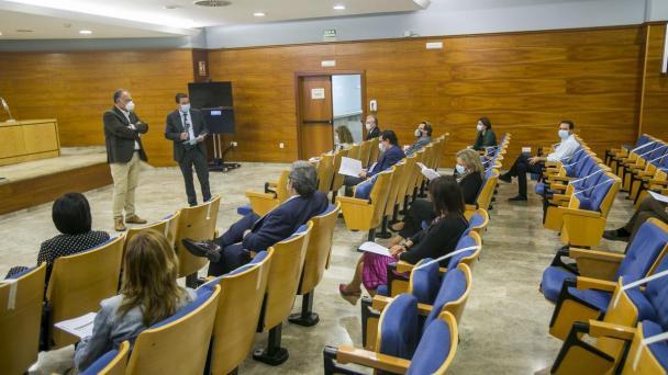Un momento de la presentación ayer en el salón de actos de los juzgados de Pardo Jimeno.