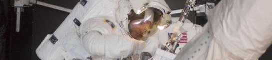 Los astronautas del Atlantis se despidieron del telescopio Hubble, ya reparado  (Imagen: NASA / EFE)