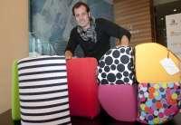 Cinco diseñadores customizan puffs de la empresa Viveti con las tendencias que mostrarán en la IX Valencia Fashion Week
