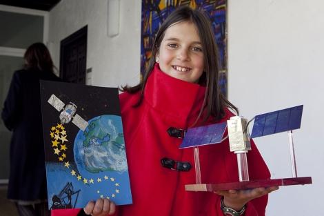 niña satelite dibujo cordobesa
