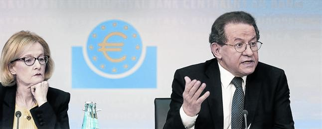 El BCE ultima un plan para reducir los activos tóxicos de la banca