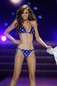 La nova Miss EUA, a la desfilada en biquini.