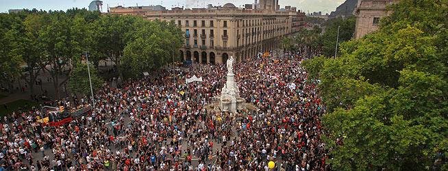 Los manifestantes, en el Pla de Palau, donde ha concluido la protesta de Barcelona.