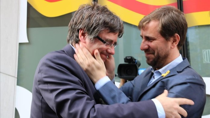 Resultado de imagen para Fotos de catalán Carles Puigdemont y Toni Comín,