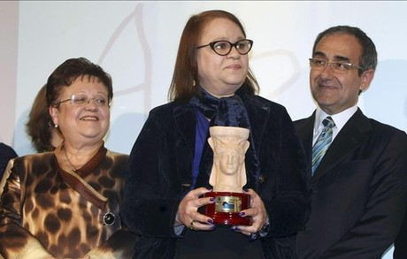 Zoé Valdés recibe el Premio Azorín 2013.