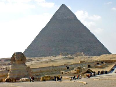 La Esfinge y la gran pirámide de Keops.