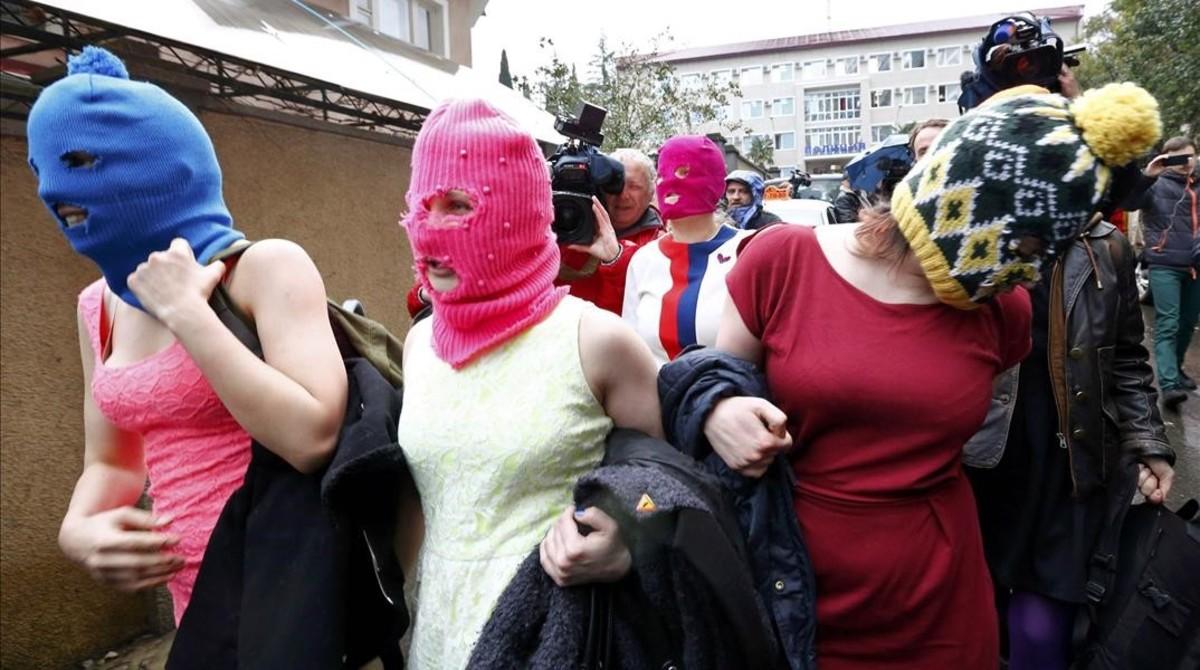 Rusia despenaliza pegar a mujeres, hijos y abuelos una vez al año