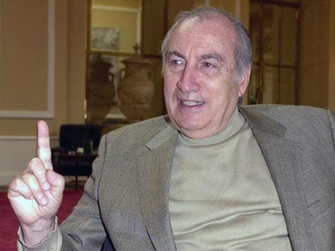 El escritor Tomás Eloy Martínez murió el domingo tras luchar contra el cáncer. |EFE
