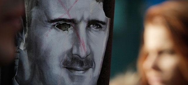 Protesta contra Asad, este domingo ante la embajada siria en Bulgaria. | AP