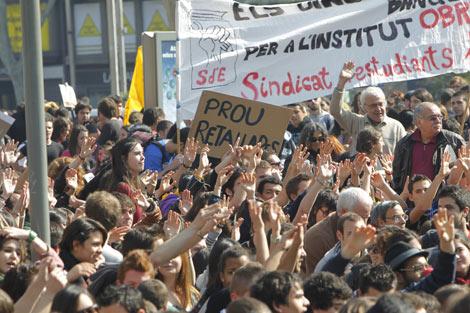 Unas 70.000 personas han marchado por el centro de Barcleona. | Jordi Soteras