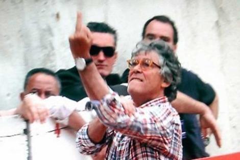La 'peineta' de Casas al público de Nimes. | Midi Libre