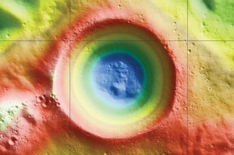 El agua helada detectada en el cráter Shackleton. | NASA