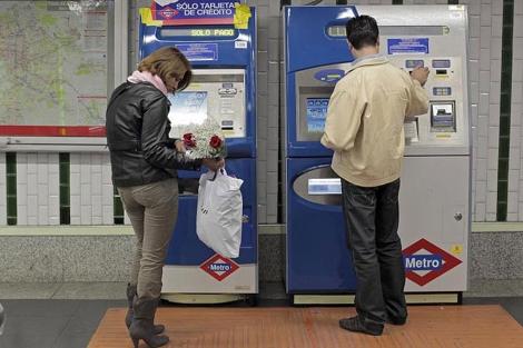Máquinas expendoras de billetes del Metro.  Antonio Heredia