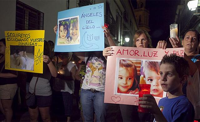 Concentración frente al domicilio de la hermana de José Bretón. | Madero Cubero