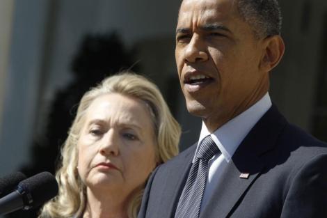 Obama junto a Hillary Clinton, en la Casa Blanca.| Reuters