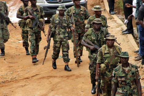 Soldados nigerianos patrullando en Lagos (el pasado mes de junio). | Afp