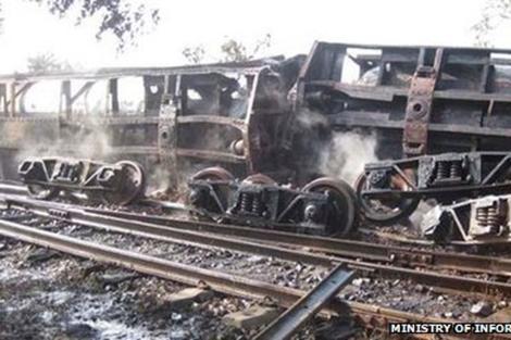 Imagen del tren descarrilado al Norte de Birmania. | Ministerio de Información de Birmania