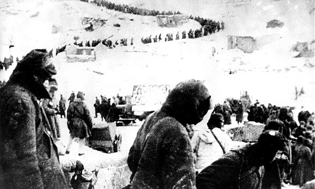 Prisioneros nazis en la batalla de Stalingrado.
