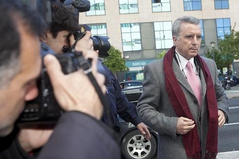 Ortega Cano, en una visita a los juzgados sevillanos. | Conchitina