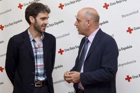 José Tomás junto a Jesús Mora, presidente autonómico de Cruz Roja.   S. González