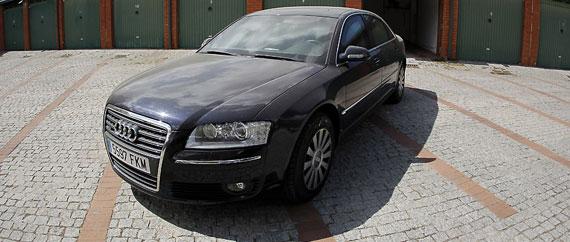 El Audi A8 que adquirió la presidencia de Barreda sólo tiene 52.000 km y costó 63 millones de las antiguas pesetas. / ALBERTO DI LOLLI