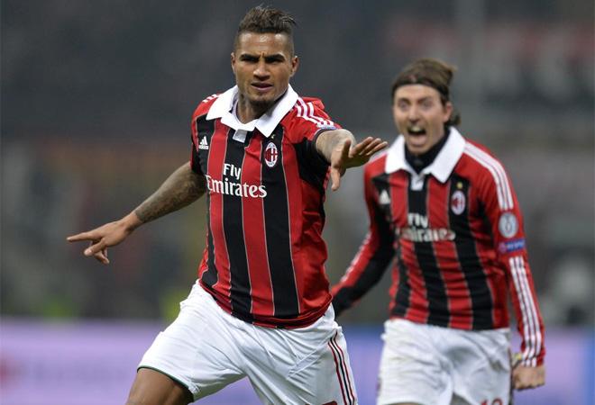El 10 del Milan marcó el 1-0 después de unas claras manos de Zapata. Se la liaron al Barcelona.