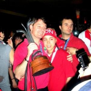 Fernando Sierra con la actual entrenadora del Hostelcur María Fdz. Grande.