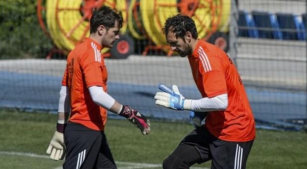 Antena 3: Saldrían Iker y Diego y llegarían Casilla y Keylor Navas